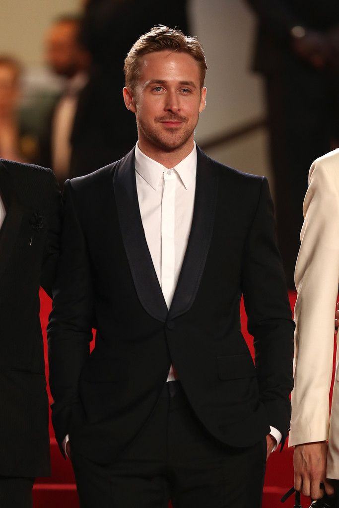 Style Watch: Ryan Gosling, From Chic Airport Travel to Cannes image Ryan Gosling 003