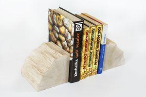 Dřevěné zarážky na knihy