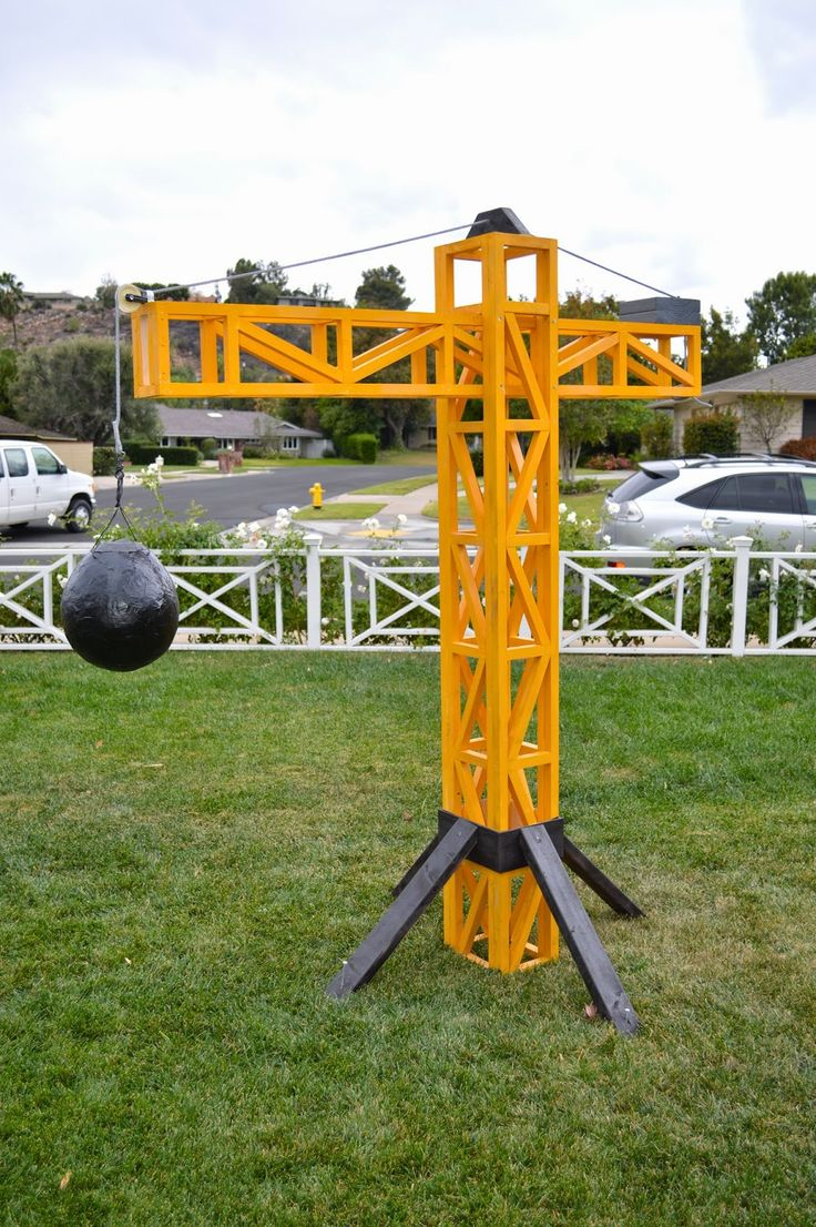 It's Ella's World Now: Everett's Construction Truck & Tool Party crane and wrecking ball pinata