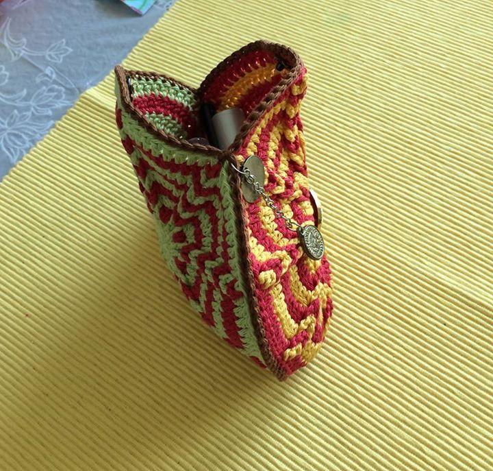 Crochet Makeup Bag Free Pattern : Crochet makeup bag crochet lover Pinterest Makeup Bags, Crochet ...