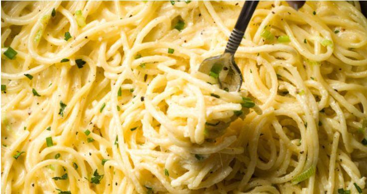 Mag jij graag uit de Italiaanse keuken eten? Dan zal je deze romige spaghetti vanavond echt moeten maken! Vergeet even de standaard rode saus met gehakt en haal de ingrediënten voor deze goddelijke pasta in huis! Als je 'm eenmaal hebt geproefd zal het niet de laatste keer zijn dat je deze variant zal maken! …
