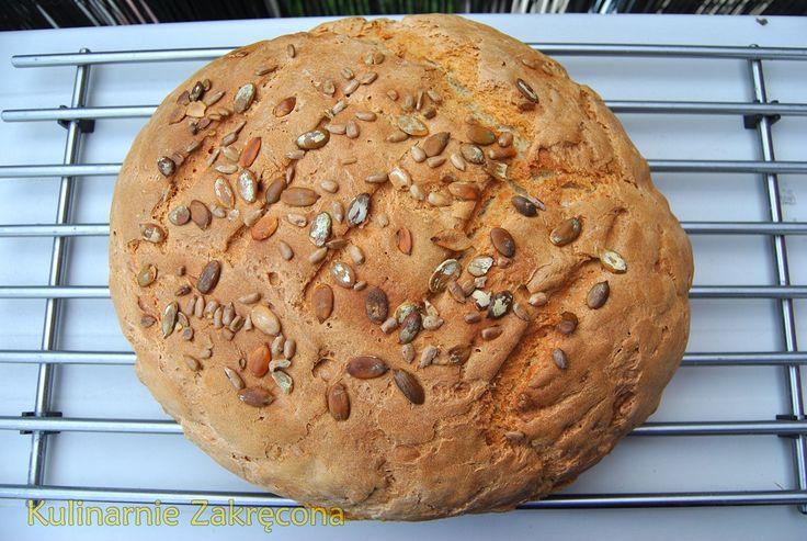Chleb wiejski z ziarnami