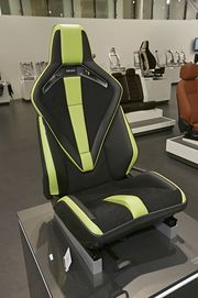 "Successful appearance in Frankfurt: The RECARO Sport Seat Platform in the variants ""Sport Extreme"" and ""Comfort"""