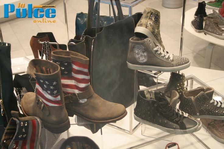 Scarpe borchiate, stivaletti e teschi  #moda