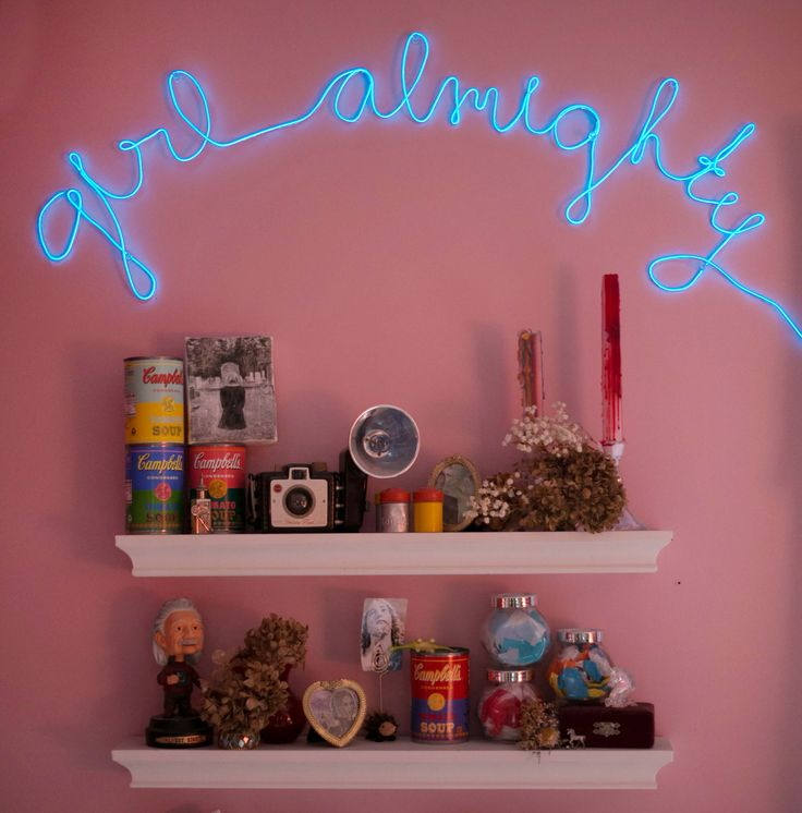 DIY neon light - would look super cool above a bed1