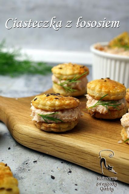 Kulinarne przygody Gatity - przepisy pełne smaku: Serowe ciasteczka z pastą łososiową