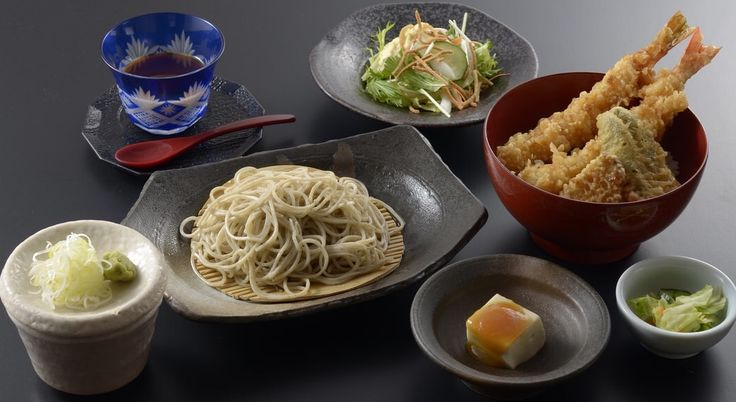 手打ち蕎麦、天丼、サラダ、胡麻豆腐、香の物、豆乳寒天の黒蜜かけ 1200円 (国分寺そば)