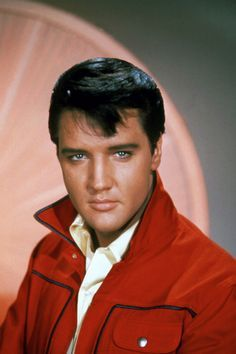 Photo of Elvis Presley for fans of Elvis Presley. Photos of the King of Rock n Roll