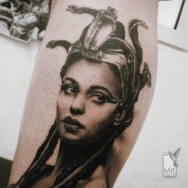 raponemarcoCleopatra Portrait Detail - visit @raponemarco for full work! Done with: @kwadron @cheyenne_tattooequipment  #cleopatraportrait #cleopatra #portrait #tattooportrait #realisticink #realistictattoo #realisticdrawing #tattoorealistic #tattoorealism #tatuaggiorealistico #bestrealistictattoo #bestrealistictattoos #bestattooartists #blackandgraytattoo #bngtattoos