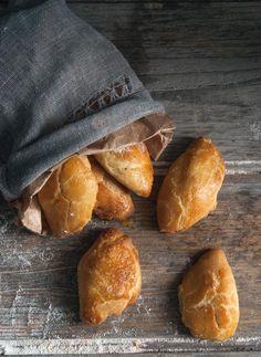Τυροπιτάκια με ζύμη γιαουρτιού mini cheese pies(yoghurt dough)  baked them already lots of times