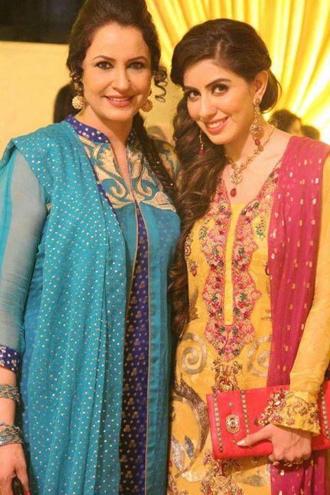 Celebrity Mothers Set Bar Too High For Non Famous Women: 42 Best Pakistani Celebrites Famliy Images On Pinterest