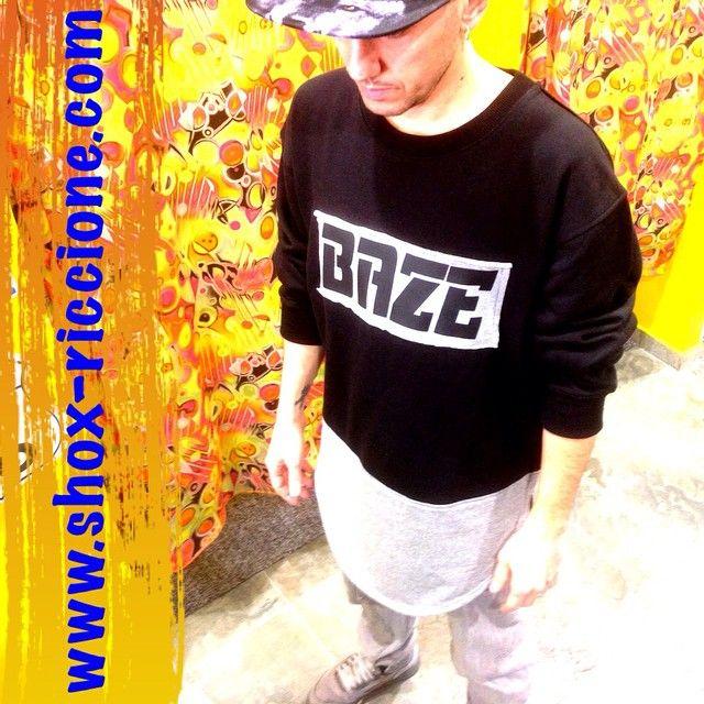 ***BAZE***LONG OVERSIZE Script black/grey!!venite a trovarci allo SHOX urban clothing di viale dante 251 Riccione APERTI tutti i giorni anche la DOMENICA POMERIGGIO !per info e vendita contattateci su FB: @ SHOX URBAN CLOTHING ,spedizione in tutta Italia con corriere 5€! #script #oversize #long #over #leather  #perfectfit #2015 #SHOX #custom #comevuoitu #capsula #fashion #spring #fresh #sconti #streetwear #life #esclusivo #nuoviarrivi  #swag #solodanoi  #esclusivo #unici