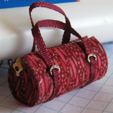 Casey's Minis: Barrel Bag Tutorial step by step