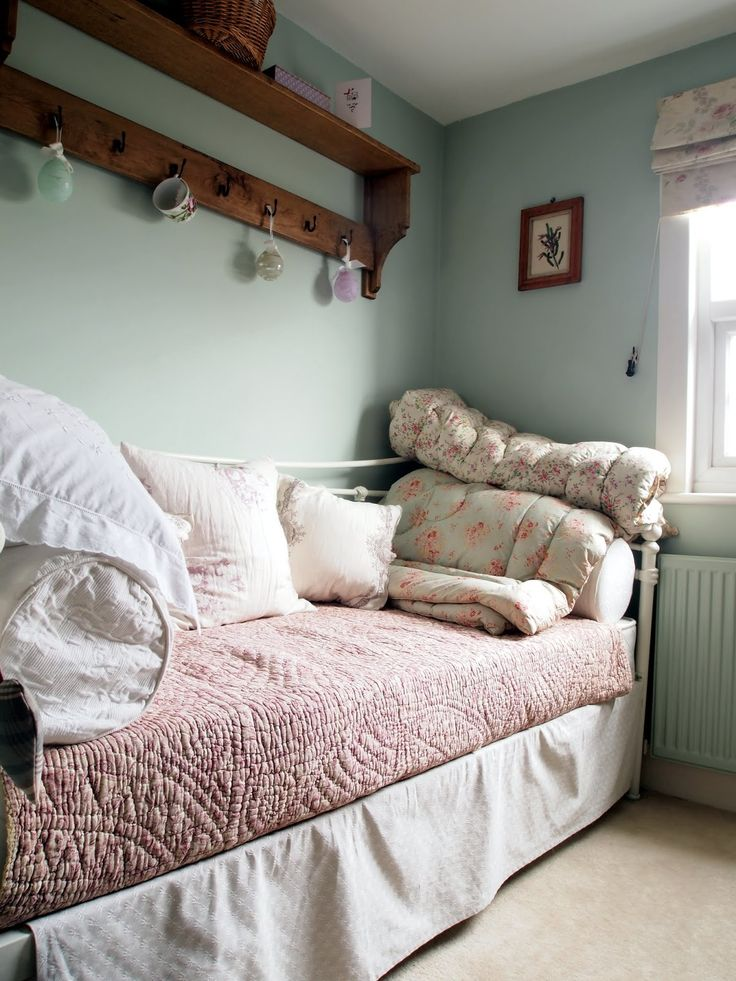 A Cottage in Totteridge: 2nd Bedroom