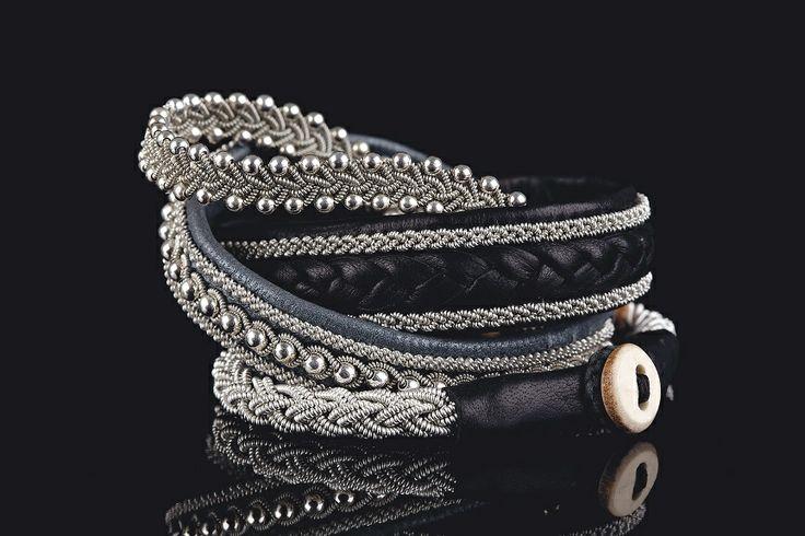 Udvalg af Samerarmbånd fra Be Christensen Jewllery. Fine armbånd i lækkert læder udført gennem traditionsrigt håndarbejde.