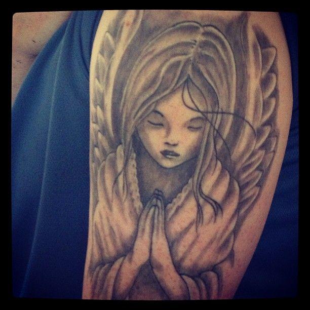 Tatouage Ange Qui Prie Bras Homme Tr52zd Tatouage Tattoos