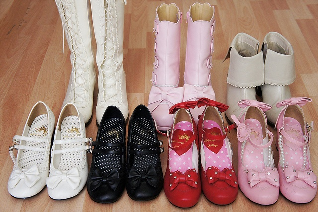-Boots beige - Innocent World.  -Short boots Pink/white detail - Rose Chocolat. (They still available for sale...)  -Short boots Milk tea - Innocent World. (I lost one ribbon *sniff*)  -White & Black shoes (IW replica) - Secret Shop.  -Red & Pink shoes ( Tips on how to (start your own home business as a secret shopper.) Learn more by going to my site!