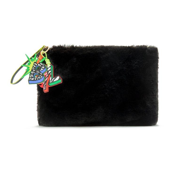 Black fur envelope bag | BIMBA Y LOLA ®