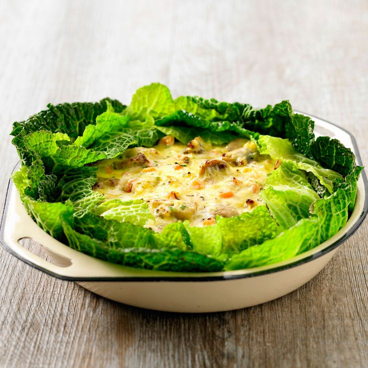 Découvrez la recette Chou vert frisé gratiné aux champignons sur cuisineactuelle.fr.