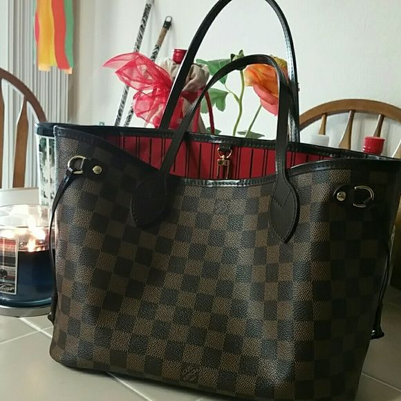 Louis Vuitton Neverfull PM Preloved Authentic Damier Ebene Neverfull PM the smallest of the 3 sizes. Includes box, dust bag and receipt. Louis Vuitton Bags Shoulder Bags