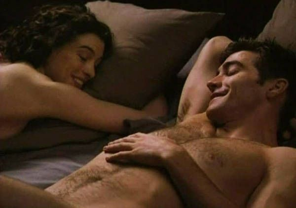 Love-and-Other-Drugs-starring-Jake-Gyllenhaal-06