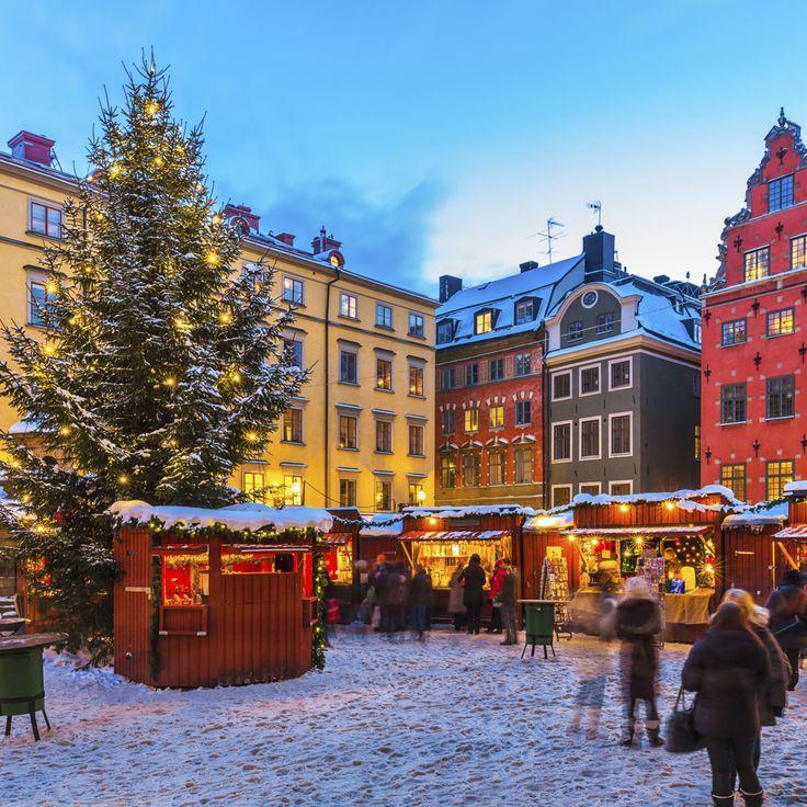 Stockholm har masser af julestemning at byde på med julemarkeder og shopping. Smag på Sveriges jul. Find julemarkeder her: http://www.apollorejser.dk/tilbudrabatter/julemarkeder