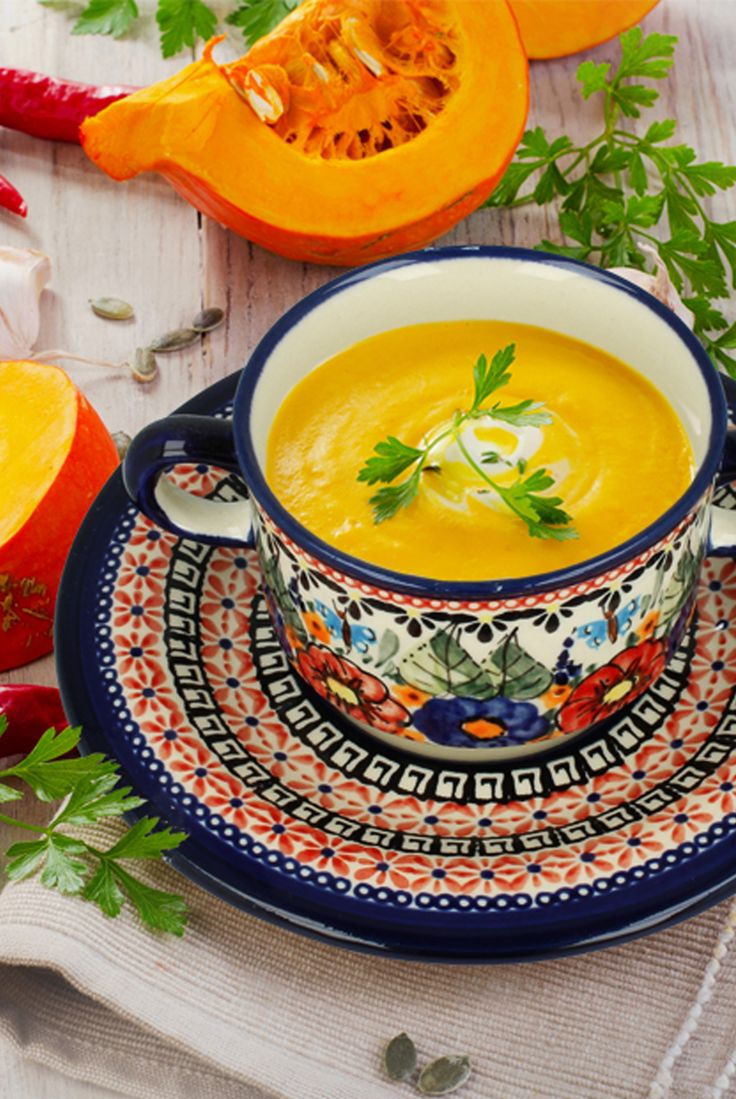 Perfect for serving soups. Made of natural ceramic clays, hand formed and hand decorated by Bolesławiec artist.