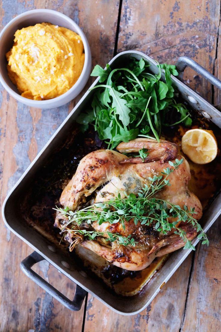 Ungs stekt kyckling med sötpotatis-chevre röra.