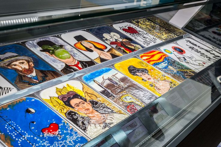 Gelato artistico  #ISA #icecream #gelato #pastry #foodandbeverage #Sigep #Rimini #Italy #Madeinitaly #displaycabinet #bar #design  #arte