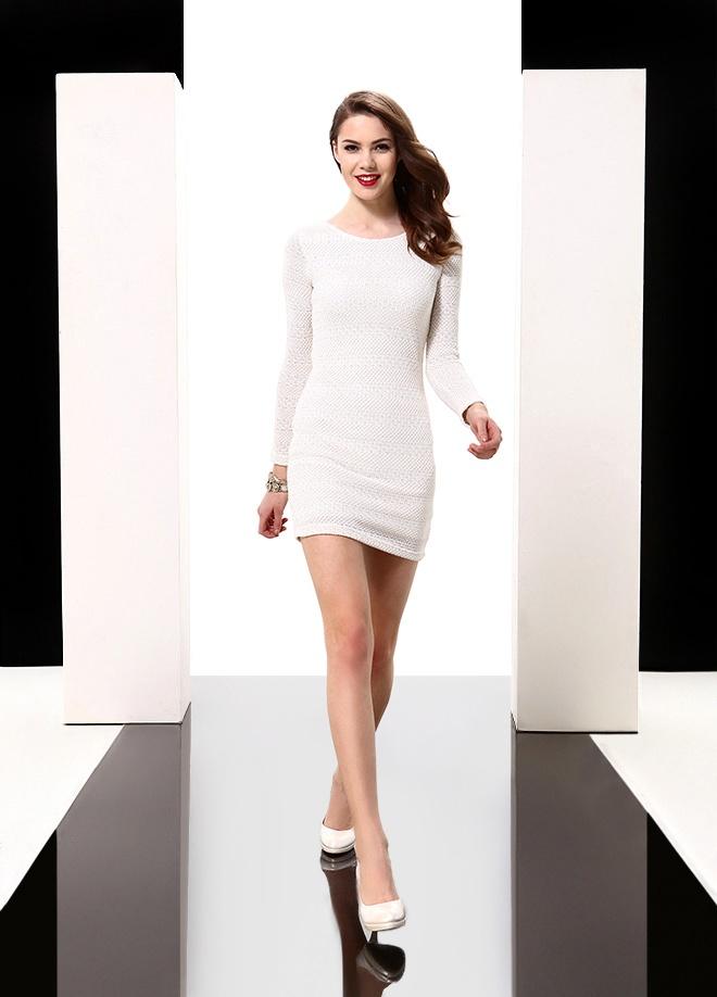 Sheggy Sırtı bakır aksesuarlı elbise Markafoni'de 69,99 TL yerine 29,99 TL! Satın almak için: http://www.markafoni.com/product/3616591/