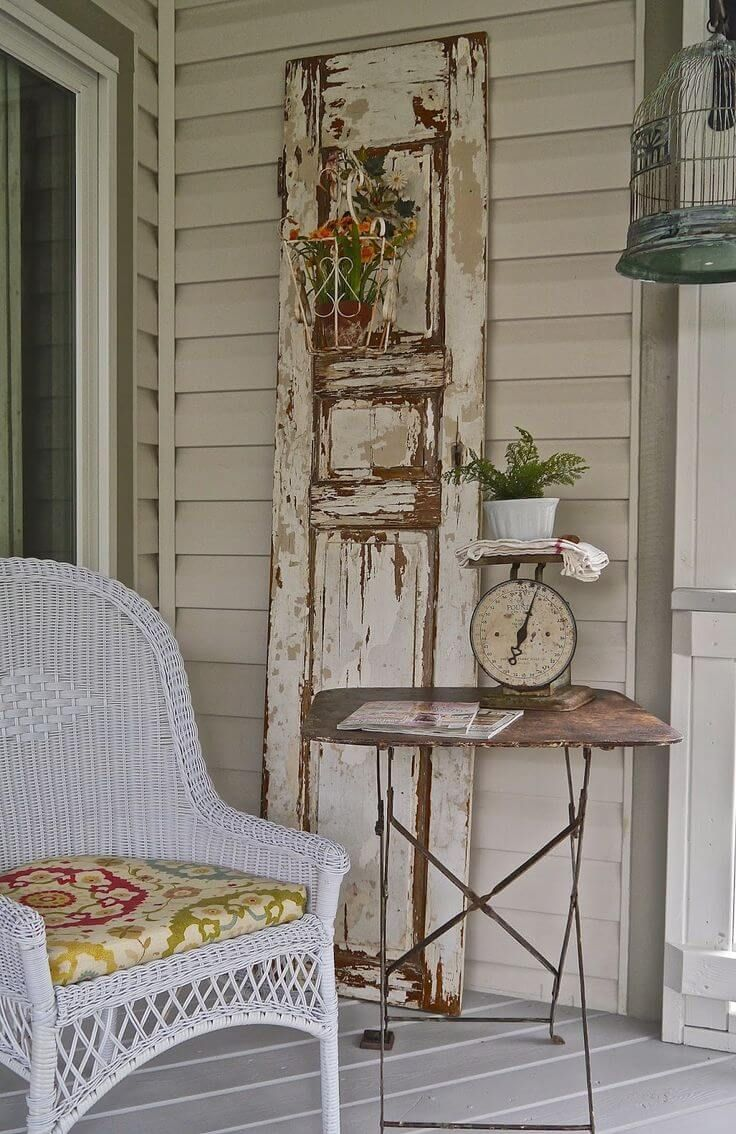 Another Great Old Door Decorating Idea