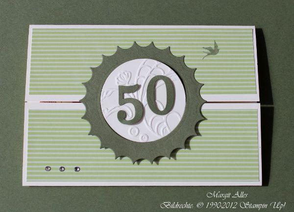 Diesemal habe ich mal das mattgrüne Designerpapier mit Grünbraun kombiniert. Ich liiiieeebe diese Vielfältigkeit der Farben von Stampin Up. Ein Farbe ist immer wieder schöner als die andere!!! ... ...