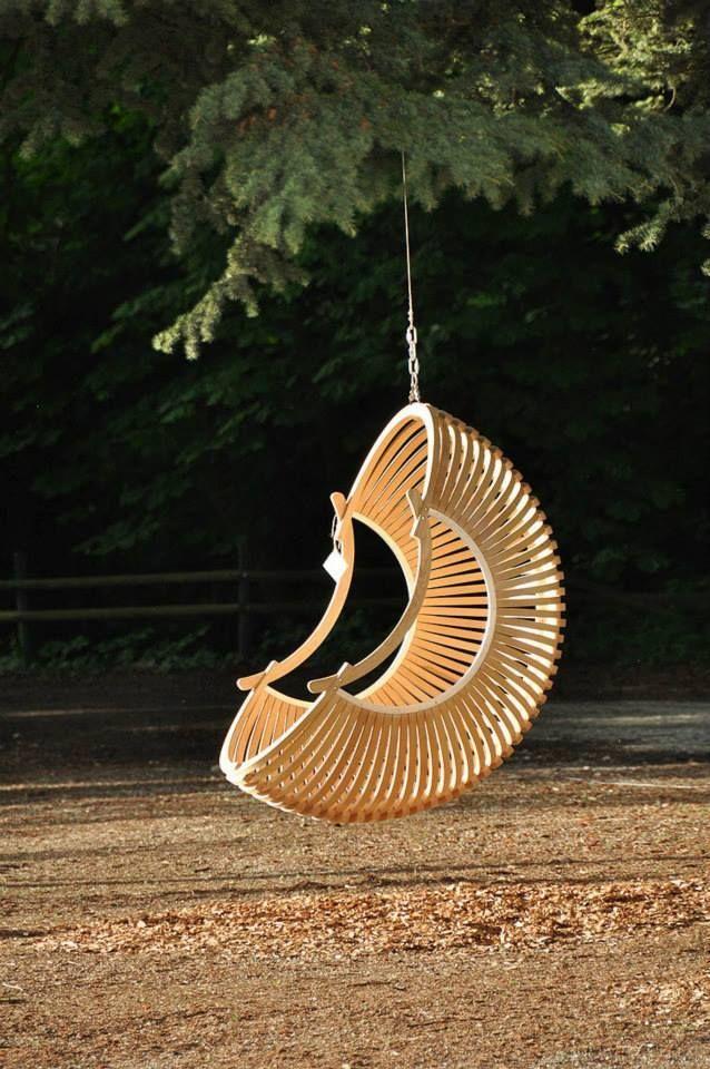Forum métabricoleur: Discussion ultra interessante autour de la réalisation de ce fauteuil Cintrage à chaud, techniques, lamellé collé... Toutes les pages sont interessantes à lire)