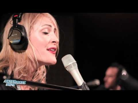 "http://thealternateside.org. Metric performs ""Breathing Underwater"" live in Studio A. Recorded 3/28/12.    Host: Alisa Ali  Engineer: Daniel Hodd  Cameras: Claire Donovan, Fenizia Maffucci and Patrick Moore  Editor: Erica Talbott"