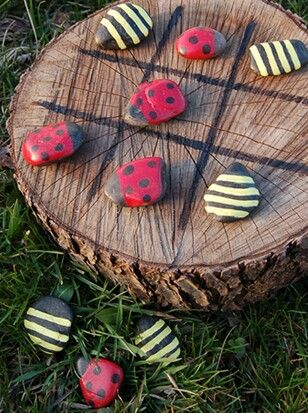 Ladybug/Bumblebee Tic Tac Toe Would be so cute out in the yard by the fire pit!