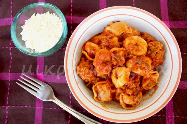 μικρή κουζίνα: Τορτελίνια με κεφτεδάκια σε σάλτσα ντομάτας