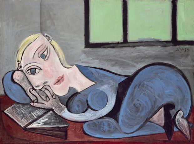 """Pablo Picasso: """"Liegende mit Buch"""", 1939.  Die Ausstellung """"Picasso. Fenster zur Welt"""" läuft vom 6.2. bis 16.5.2016 im Bucerius Kunst Forum, Hamburg."""
