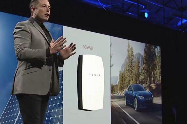 Elon Musk znowu to zrobił! Oto Powerwall: akumulator, który dostarczy energię dla domu!