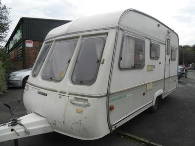 1992 SWIFT DANETTE DIAMOND 5 berth end bedroom in Nr Glossop | Caravan Trader