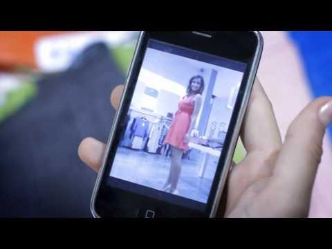 Зеркала в примерочных подключили к Facebook: http://vk.com/wall-28075090_2271