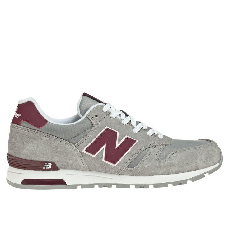 ¡Llama la atención! Con la firma y el estilo propio de New Balance, el modelo 565 une elementos de zapatos de correr con elementos urbanos. Un tenis de correr estilo retro, que puede tener la parte superior toda hecha de gamuza o combinar gamuza con nylon, con mucho espacio para los dedos y un ajuste […]