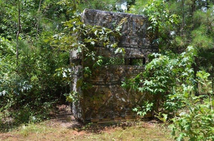 With a little ingenuity, you can erect this blind in less than 10 minutes at your hunting spot. The popularity of hunting from ground blinds has grown tremendously in the past few years. When placed in a strategic location, a ground blind can offer the most exciting close encounters with deer and other game that … #deerhuntingblinds
