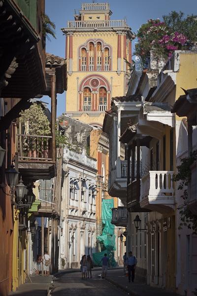 Cartagena, Colombia. La torre al fondo es la Universidad de Cartagena.