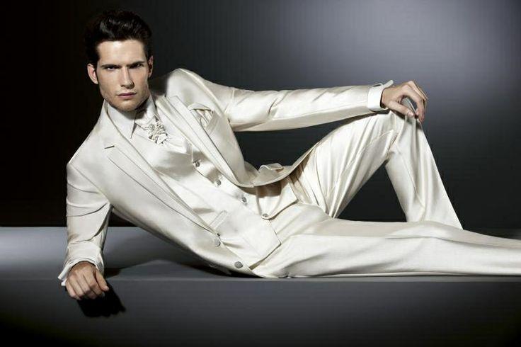Luxusný pánsky svadobný oblek lesklý PO23 - Svadobný salón Valery