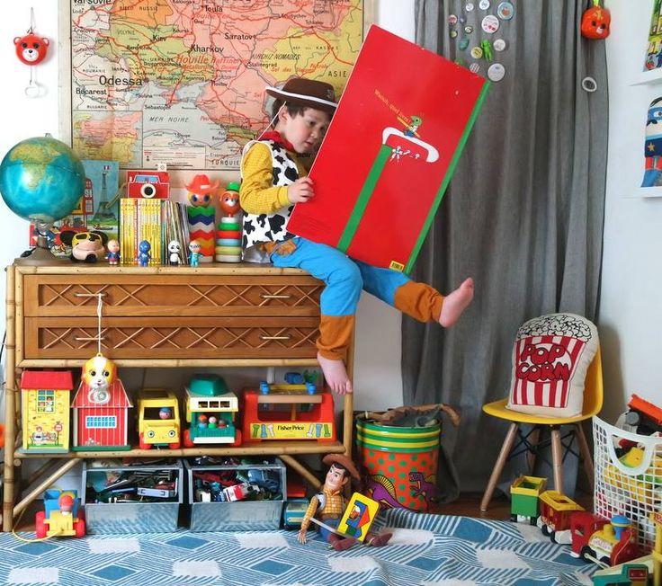 Matin douceur Petit Bambi d'Automne L'Automne sur notre vélo jaune douceur du ciel Miss poupée. Laurette est fan de poupée, elle en a toujours une avec elle. Boucle d'or Complicit…
