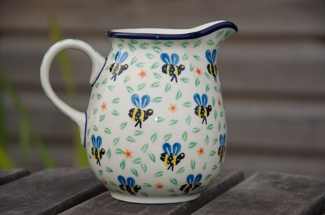 A present for that Bee keeper friend of yours! To buy visit www.polkadotlane.co.uk