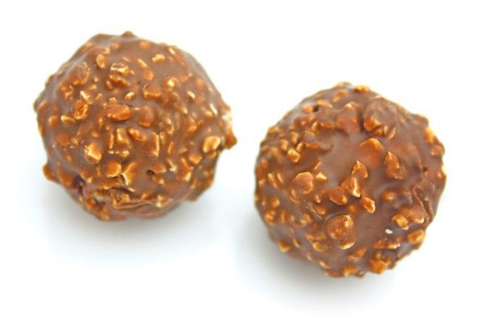 Ferrero Rocher de casă | Retete culinare - Romanesti si din Bucataria internationala
