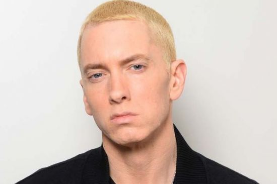 """Confira o lyric video de """"Phenomenal"""", nova música de Eminem #Clipe, #Filme, #Música, #NovaMúsica, #Rapper, #Vídeo http://popzone.tv/confira-o-lyric-video-de-phenomenal-nova-musica-de-eminem/"""