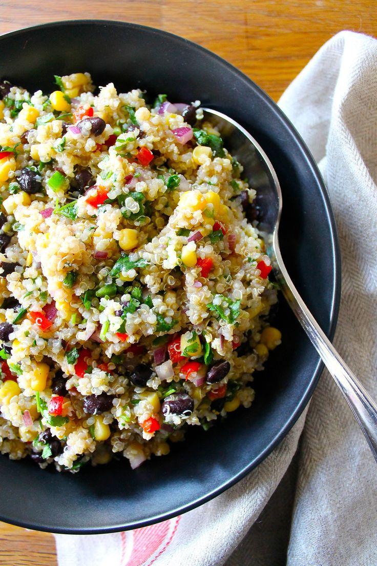 Esta deliciosa ensalada de quinoa puede ser servida como un almuerzo lleno de proteínas, o como entrada o guarnición. Ha…