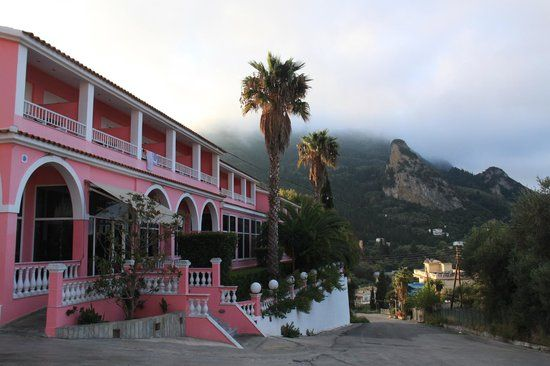 Best hostels for cheap, best hostels under $25, best hostels in europe that are cheap, Pink Palace, Greece